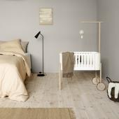 Wood holder til sengehimmel og uro, eg